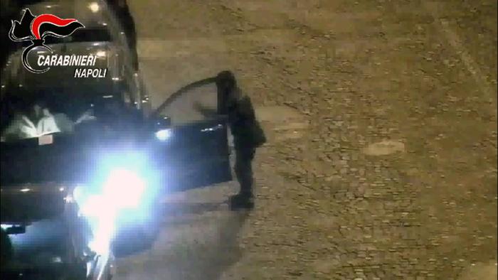 Napoli, racket parcheggio: trovato ultimo uomo della banda