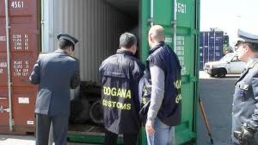 Autotrasportatore calabrese con 45 chili di cocainaIl Tir fermato a Civitavecchia al rientro dalla Spagna