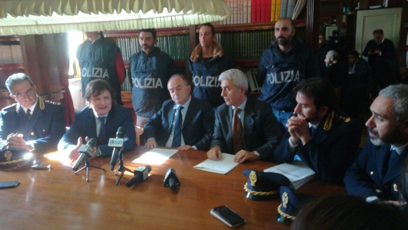 """LA SCHEDA – Operazione """"Tisifone"""" contro le cosche del Crotonese: i nomi delle persone coinvolte"""