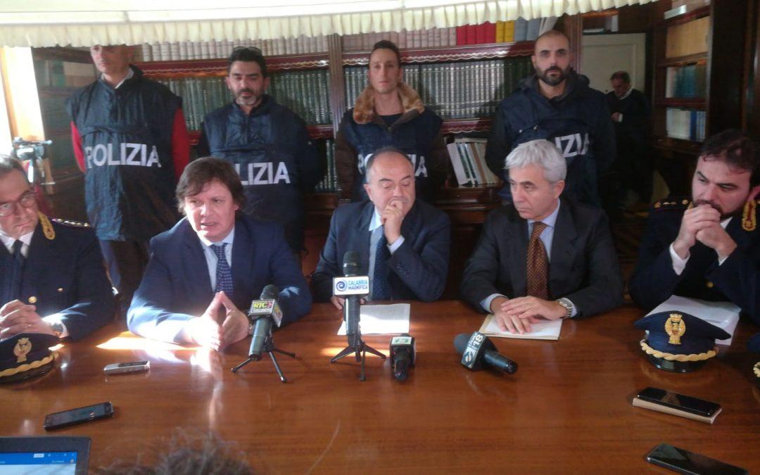 Operazione Tisifone, a Crotone arrestati un poliziotto e il nipote del boss