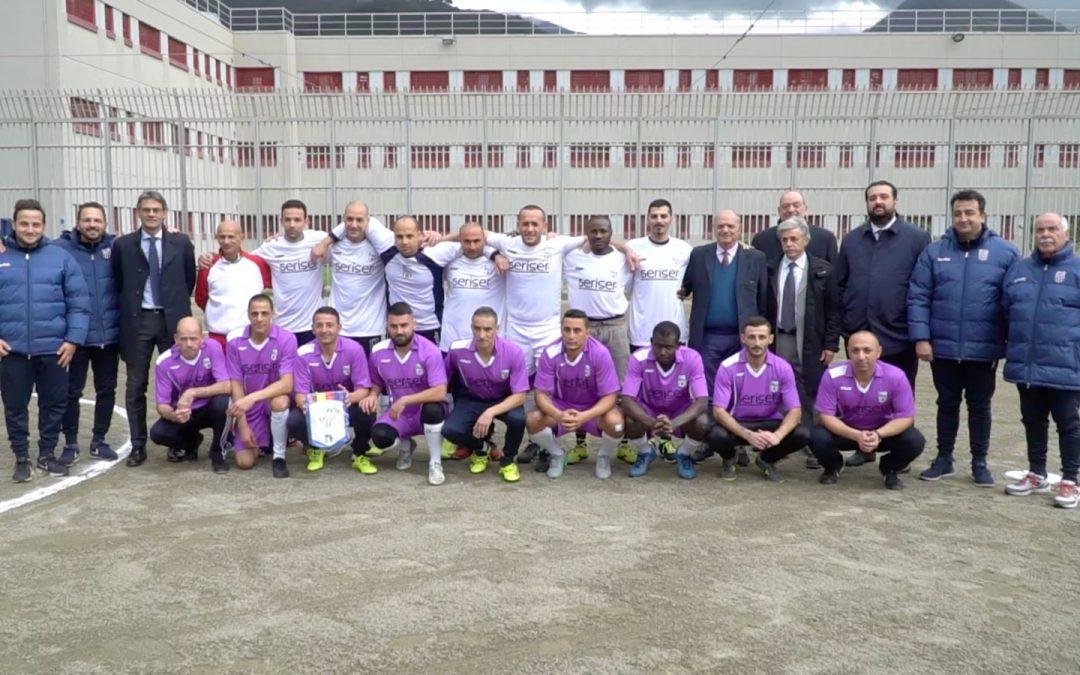 Il sogno della squadra dei detenuti di Paola presentazione ed esordio nel campionato di calcio a 5