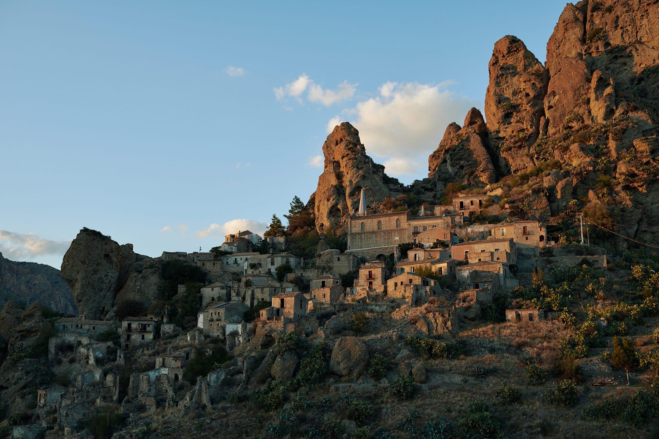 Turismo, la Calabria tra le mete mondiali per il 2019La ricerca di Airbnb punta sulla regione: unica italiana