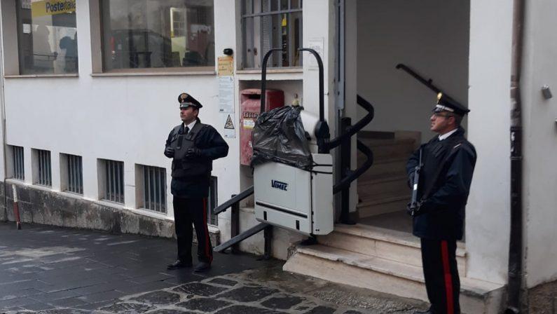 Sventata una rapina alle Poste nel ViboneseScortato il portavalori, indagini su tre sospetti