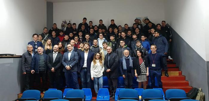 Open Fiber, il progetto per gli studenti di Scampia