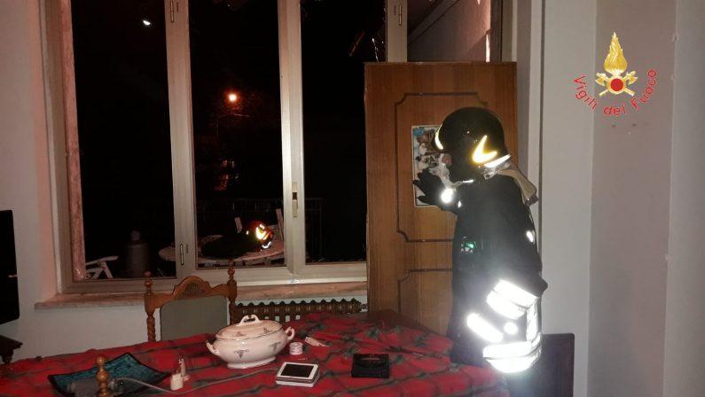 Esplosione in un appartamento in provincia di CatanzaroDanneggiati interni ed infissi, sotto shock il proprietario