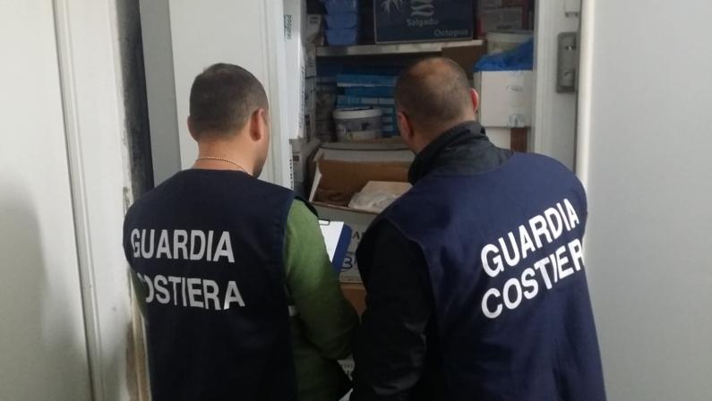 Operazione Confine Illegale della Guardia CostieraMulte e sequestri di pesce su tutta la costa tirrenica