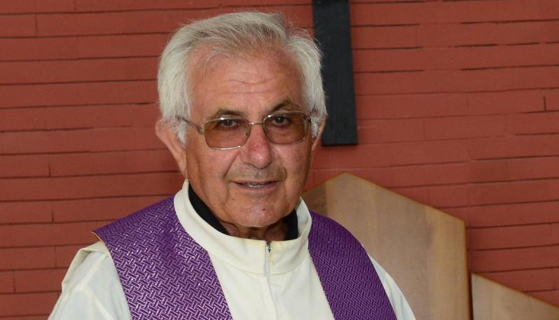 Il piazzale della chiesa sarà intitolato a padre LazzaroSabato funerali prete ucciso a Cassano: lutto cittadino