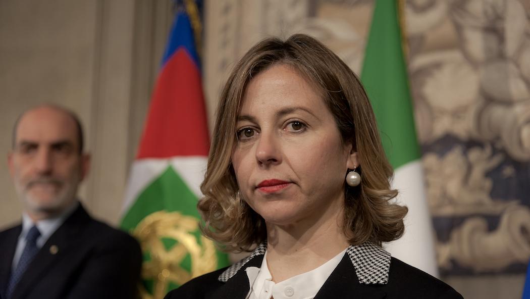 VIDEO – Il ministro Giulia Grillo ribatte al Governatore Oliverio  «Lei mi sta dichiarando guerra, io non sto qui a scaldare la poltrona»