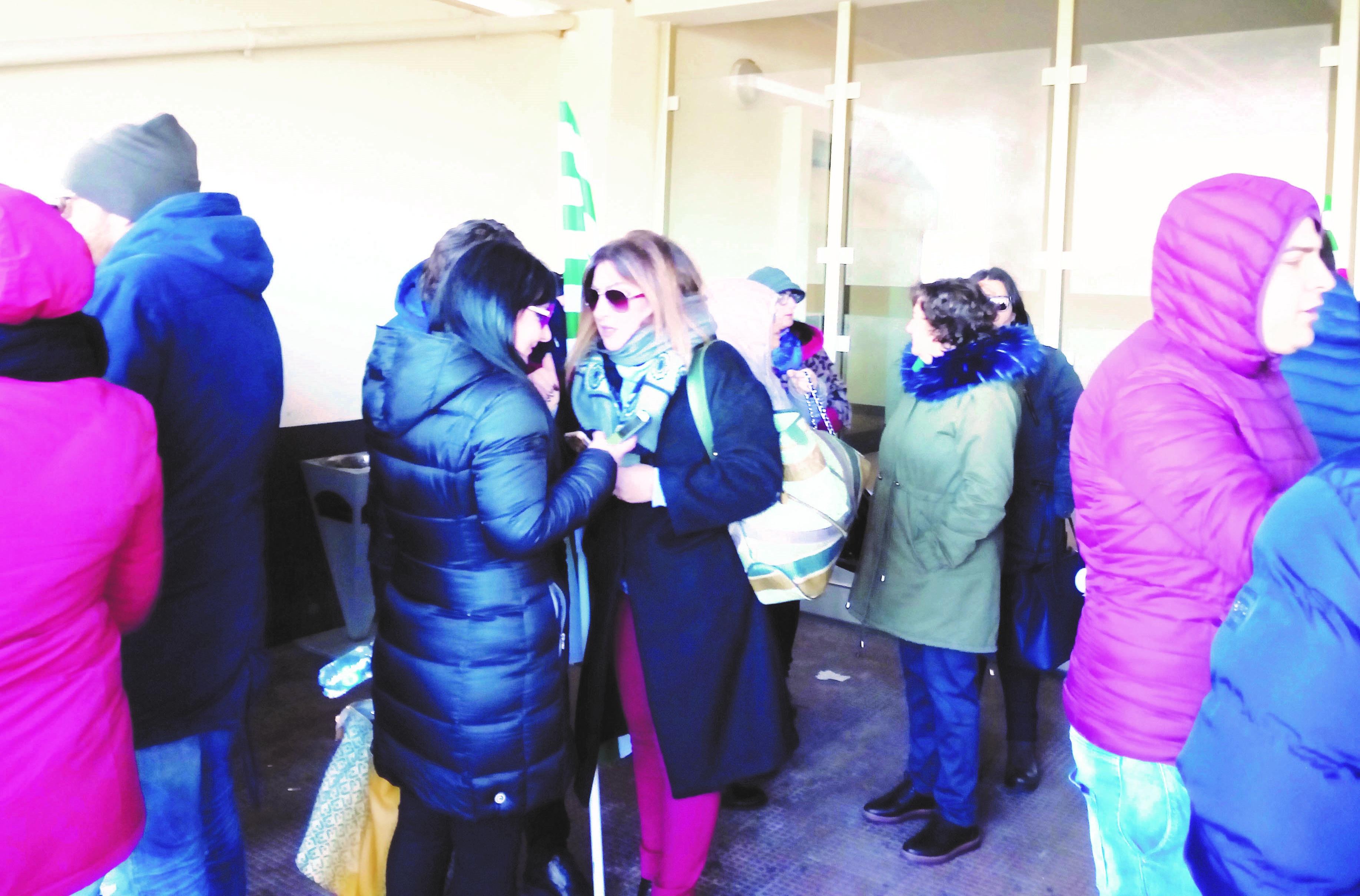 Mancato rinnovo di 400 contratti all'Abramo customer careRisoluzione parlamentare per cambiare il decreto dignità