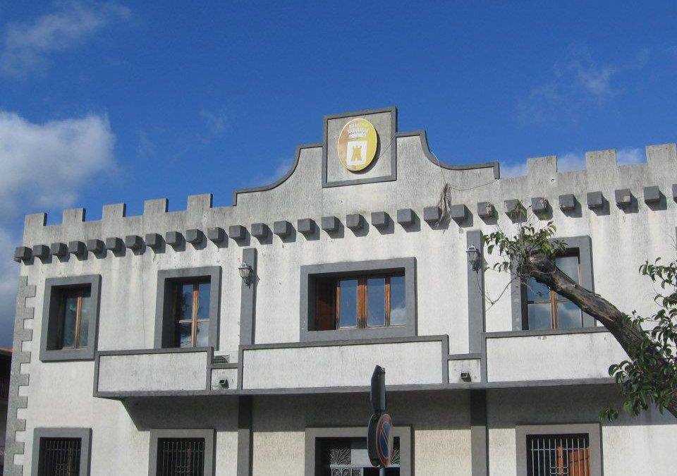 Il palazzo comunale di Oppido Mamertina