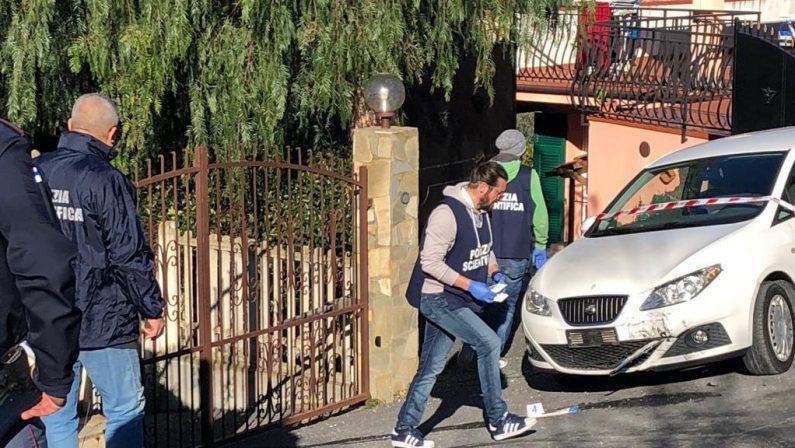 Spara contro i vicini di casa, ricercato un cosentinoPrima ha speronato marito e moglie poi li ha feriti