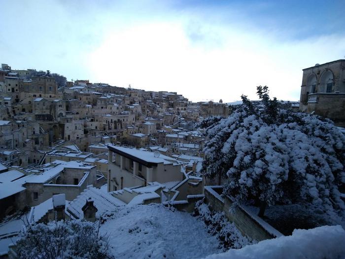 Basilicata sotto la neve, asili nido chiusi fino a sabato 5 gennaio