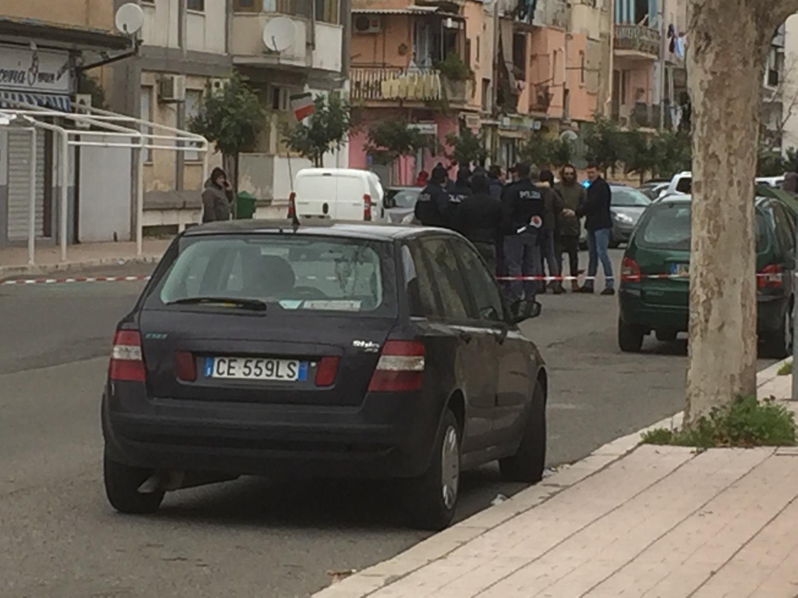 Sparatoria in strada a Crotone, panico tra la genteDiversi colpi di fucile e pistola tra studenti e passanti