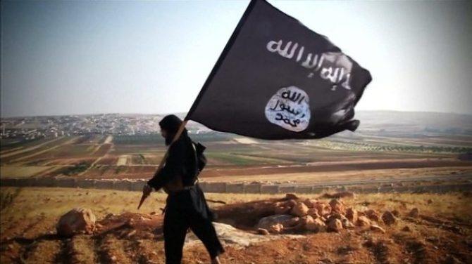 Istigava alla guerra santa sui social, arrestatoConvertito all'Islam: «Faremo pulizia in Calabria»