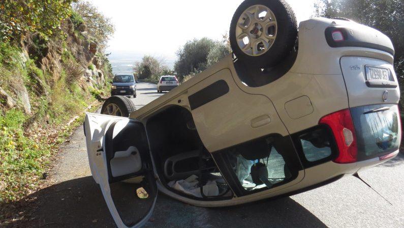 Nicotera, incidente stradale sulla strada provincialeUna Panda si capovolge durante il percorso