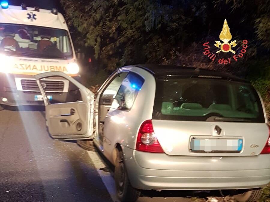 Incidente stradale a Catanzaro, coinvolti due veicoli  Ferite quattro persone tra cui anche una bambina