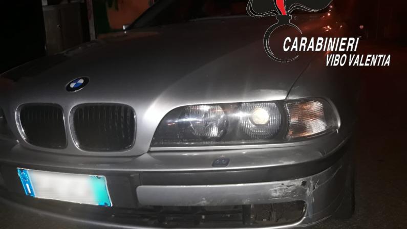 FOTO - Incidente stradale a Mileto, le foto del luogo dell'incidente e dell'auto coinvolta