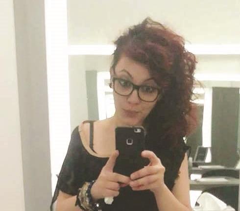 Il giallo di una ragazza cosentina morta in casaSoccorsa per una caduta, il sospetto è femminicidio