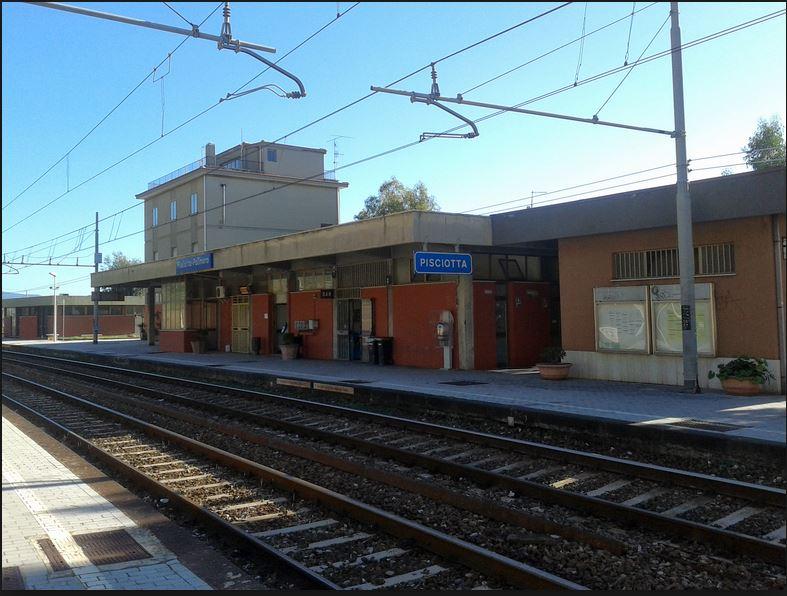 Odissea in treno, l'Intercity 553 con oltre 6 ore di ritardo: da due è fermo a Pisciotta-Palinuro