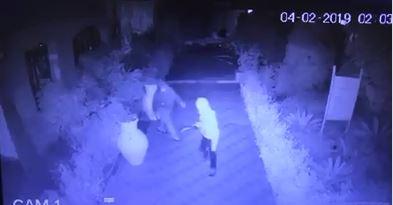 IL VIDEO - Attentato ad un resort nel Reggino: le immagini dei malviventi che appiccano il fuoco