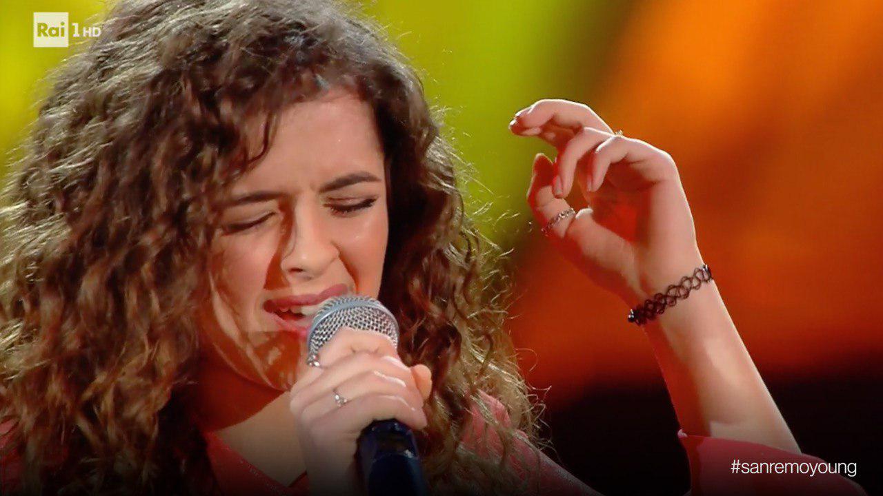 Sanremo Young, il successo di Giovanna CamastraLa calabrese supera il turno: esibizione impeccabile