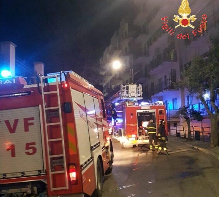 Catanzaro, incendio in un appartamento in centro  Vissuta notte di paura, evacuato l'intero immobile