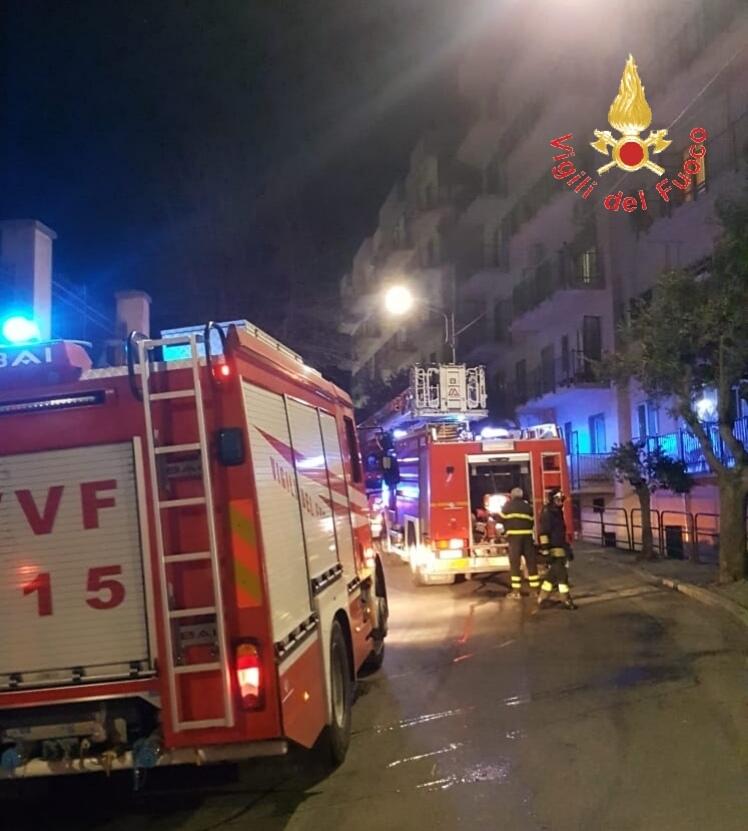 Catanzaro, incendio in un appartamento in centroVissuta notte di paura, evacuato l'intero immobile