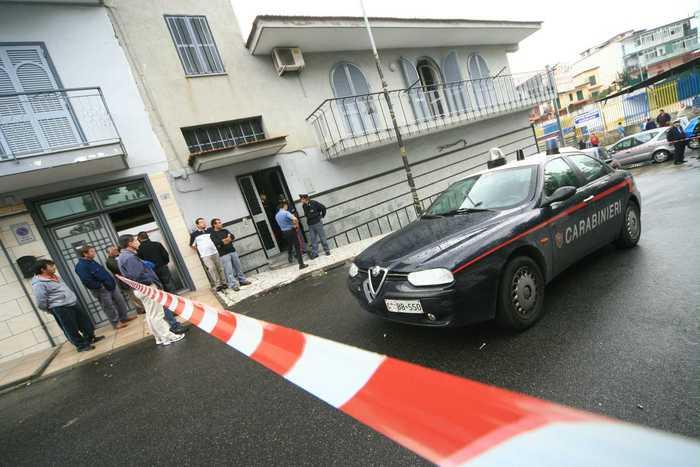 Maltempo, crolla edificio abbandonato ad Afragola: è ancora allerta