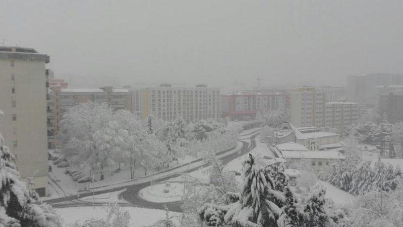 In Basilicata è tornata la neve. Scuole chiuse, rinviata Potenza-Sicula Leonzio