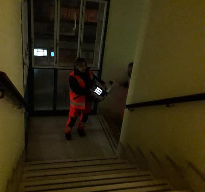 Il calvario dell'ospedale di Locri: disagi e proteste Ascensore ancora guasto, pazienti saliti per le scale