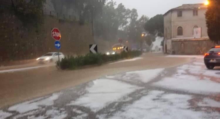 Maltempo in Calabria, si aggravano le condizioni  La Protezione Civile innalza l'allerta a livello arancione