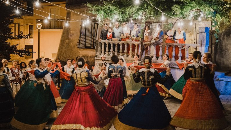 """""""Arbëria"""" sbarca nei cinema: a Rende la """"prima"""" Il film racconta il mondo delle comunità arbëreshë"""