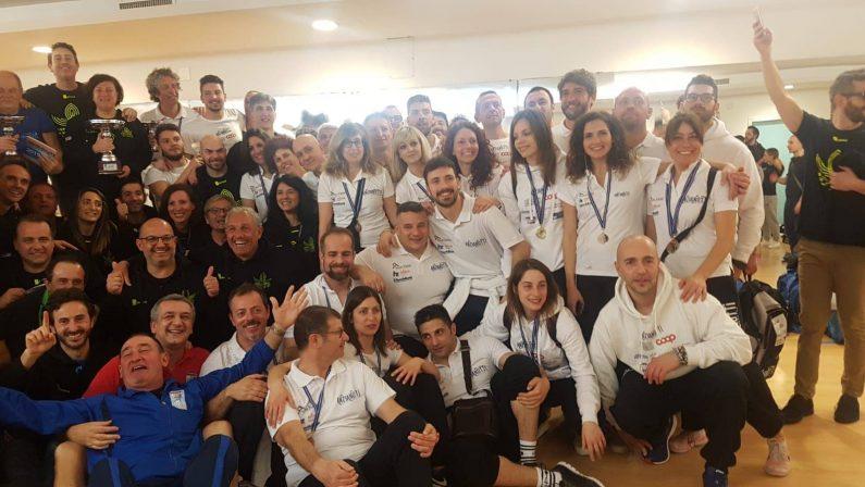 """FOTO – Nuoto, gli """"Anzianotti"""" conquistano la Campania: primi al Trofeo Master Balnaea di Battipaglia"""