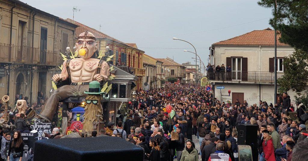 Un momento delle passate edizioni del Carnevale Miletese