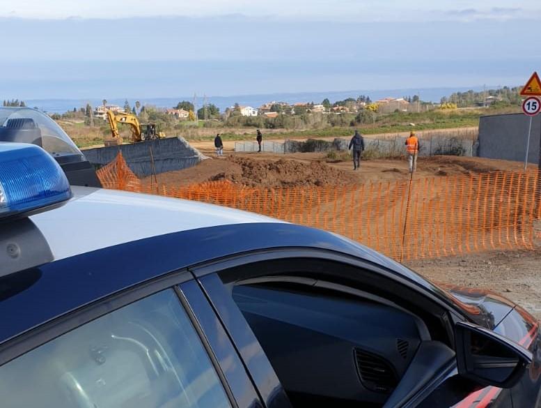 Blitz dei carabinieri sul cantiere del nuovo ospedaleAcquisiti documenti anche presso l'Asp vibonese