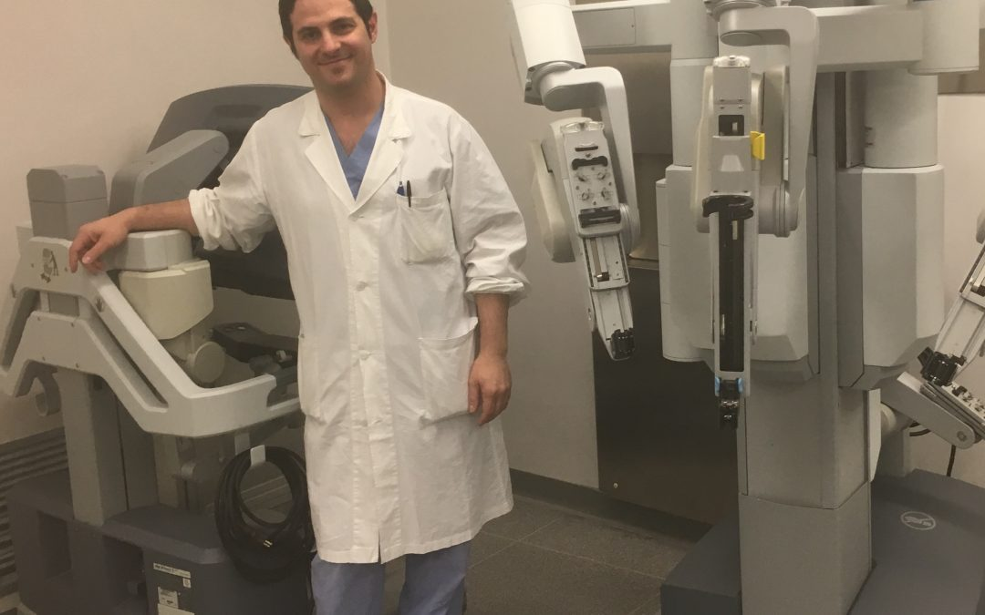 Il robot Da Vinci e il dott. Roberto Falabella