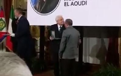 VIDEO -Mustafa Al Aoudi premiato dal presidente MattarellaSalvò la vita a una dottoressa aggredita all'ospedale di Crotone