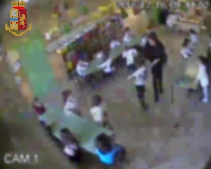 Insegnante maltrattava i bambini, sospesa per un anno nel Reggino