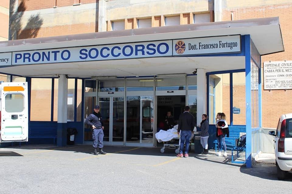 Sanità, nuova morte sospetta nell'ospedale di LocriSindaco presenta esposto in Procura:«Fare chiarezza»