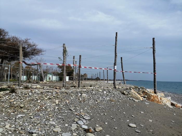 Strutture ricreative abusive realizzate sul litorale   La Guardia costiera sequestra un'area a Rocca Imperiale