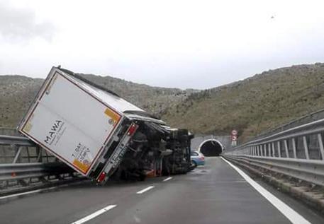 Meteo, in Calabria tornano burrasca e vento forteAllerta Protezione civile per la giornata di giovedì
