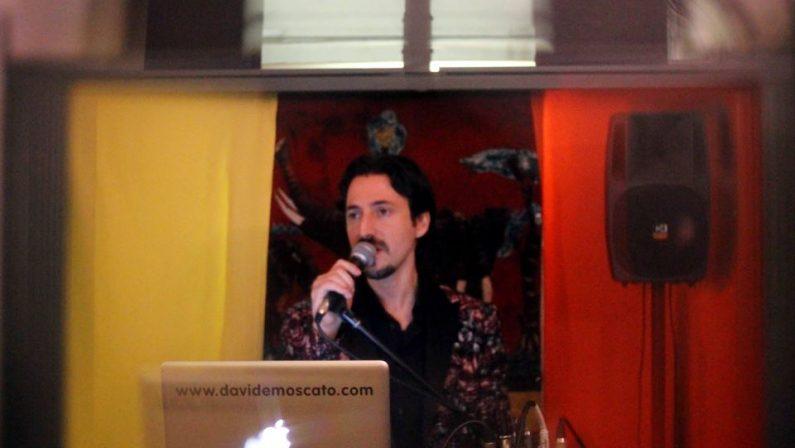 Musica, video di Davide Moscato conquista New YorkAl cantante calabrese il primo premio di LjdnRadio.com