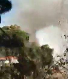 """VIDEO – L'incendio che ha lambito la coop """"Nido di Seta"""" nel Catanzarese e distrutto un bosco, indagini"""