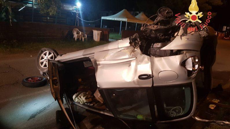 FOTO - Incidente stradale nel Catanzarese: due auto coinvolte e cinque feriti