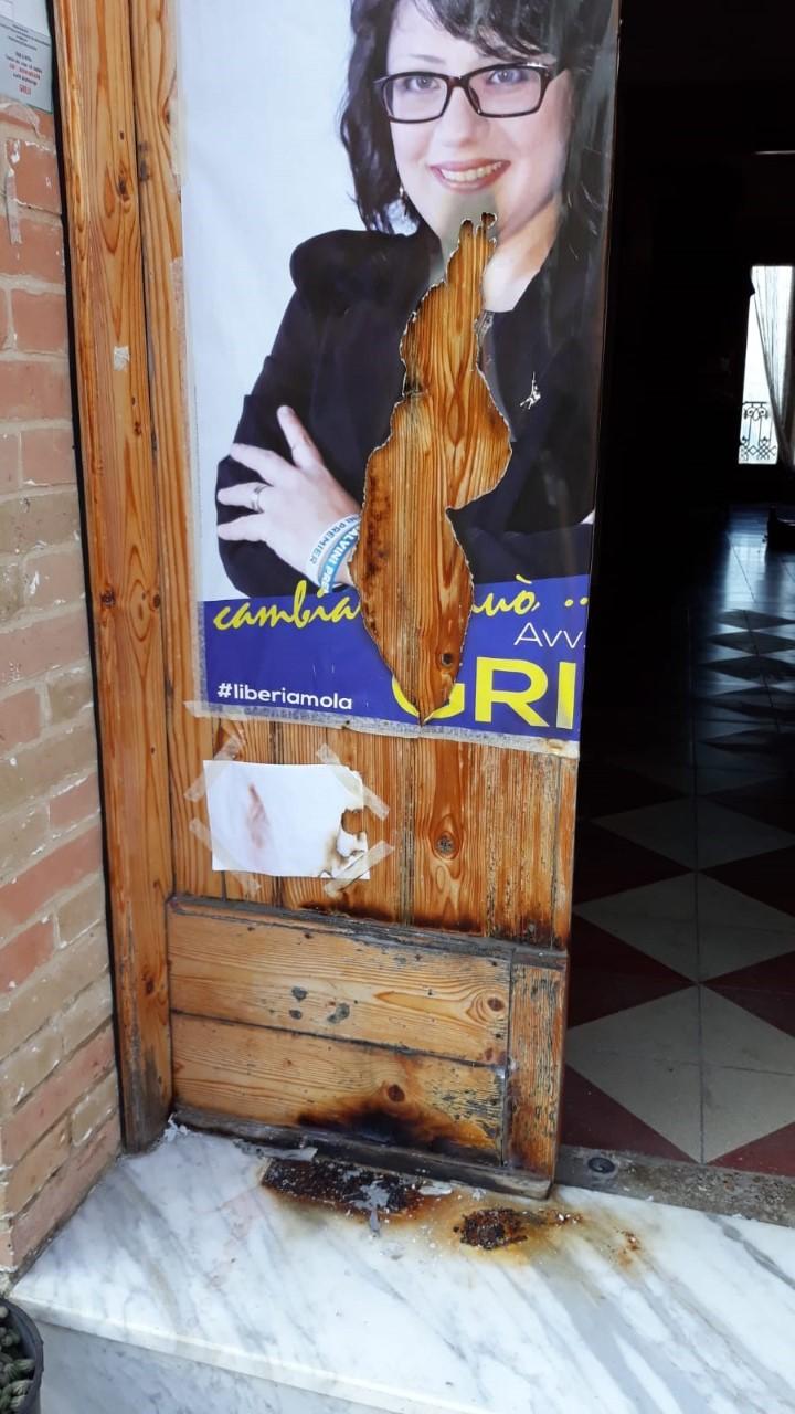 Tentativo d'incendio alla porta del comitato elettorale di una candidata leghista del Materano