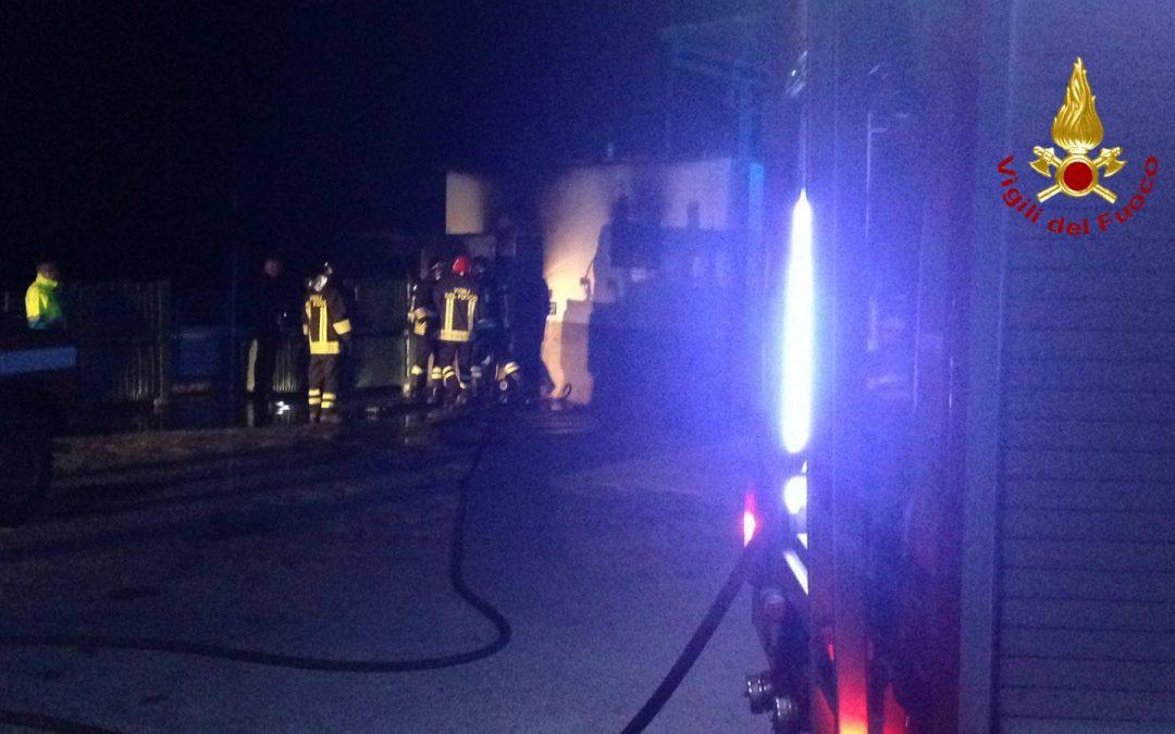 L'incendio nella struttura del Crotonese
