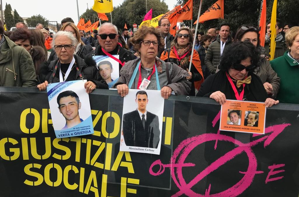 A Catanzaro il giorno dedicato alle vittime di mafia  In migliaia al corteo promosso da Libera