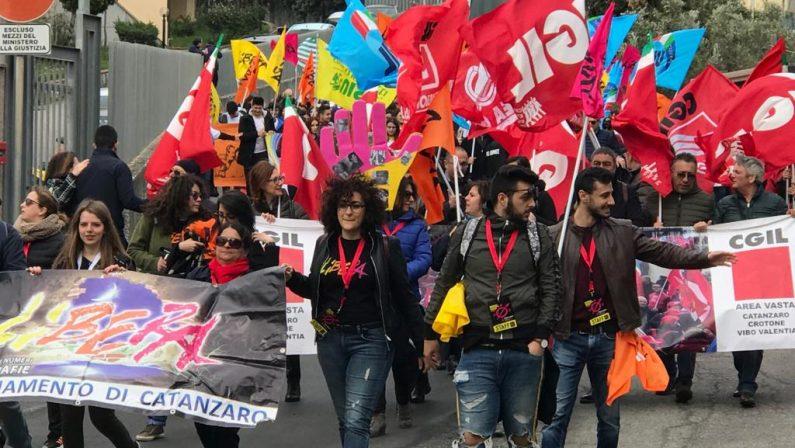 VIDEO - Giornata della memoria con Libera a Catanzaro, don Ennio Stamile: «Risveglio delle coscienze»