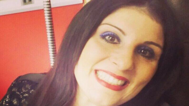 Donna bruciata dall'ex marito, la Regione parte civile nel processo. Santelli: «Lo avevo promesso»