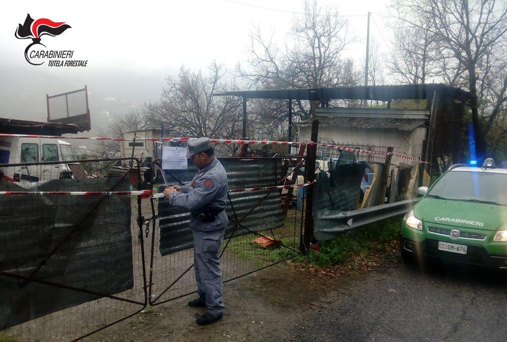 Una discarica di rifiuti speciali scoperta a Longobucco  I Carabinieri forestali sequestrano l'area, una denuncia